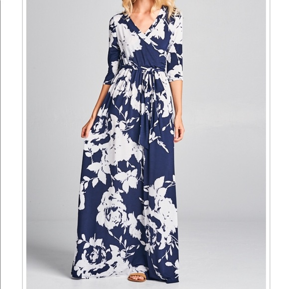 Beautiful Plus Size Maxi Dress Floral Print Navy NWT